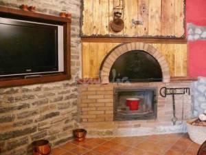 casa rural con chimenea en huesca